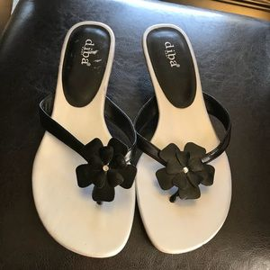 Black and Silver Floral Sandals - 9M